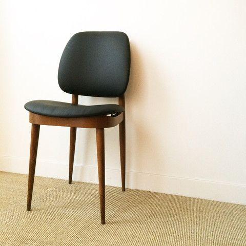 Ensemble de quatre chaises guariche vintage r nov es en for Quatre pieds quatre chaises