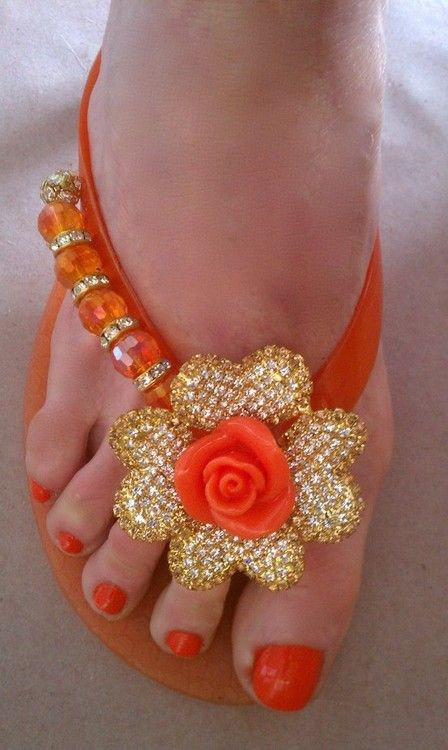 I dont really wear orange. These are freaking cute tho!