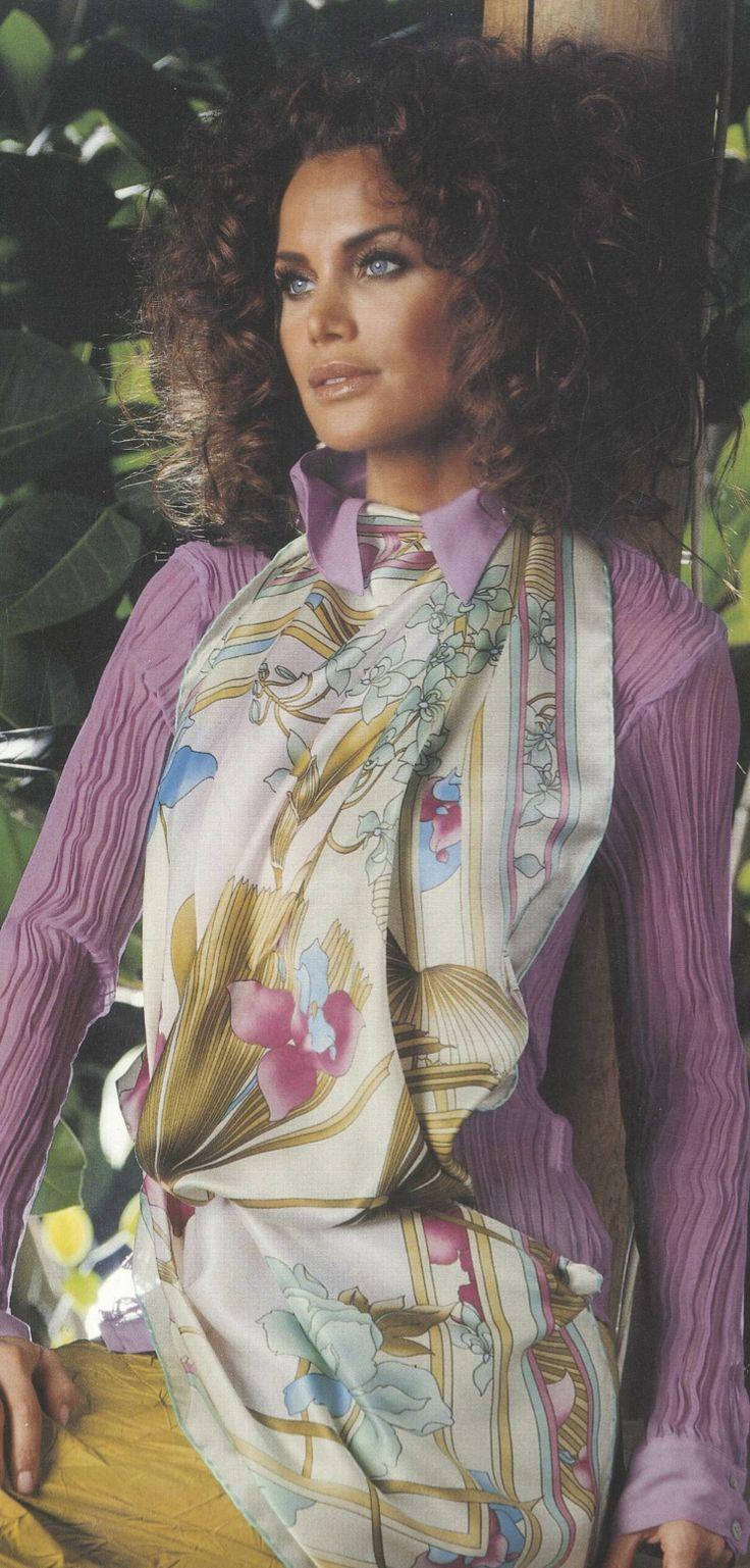 Aker Eşarp / Scarf - 2006 S/S #aker #scarf #esarp #hijab #fashion #silk #scarves #moda #hijab #tesettur #model #mode #style #pattern #babushka #kerchief #shawl #wrapper #trend #aker #akeresarp #akerscarf