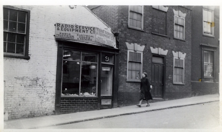 More pics of the old shop http://www.geraldgiles.co.uk/