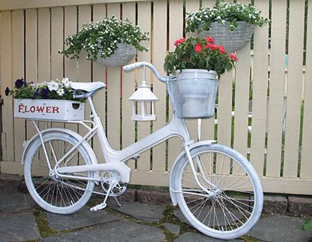 like this idea!: Cool Bikes, Bicycles Planters, Bike Gardens, Bike Flowers, Flowers Holders, Old Bike, Bike Pots, Bike Planters, Bright Colors