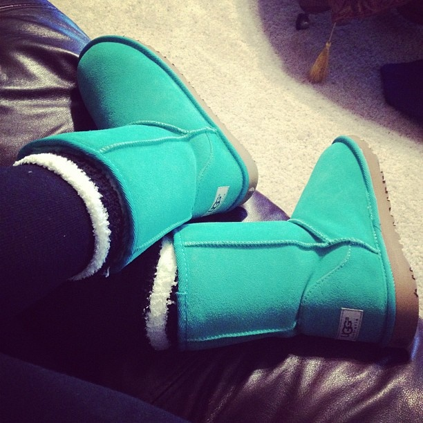 Tiffany blue Ugg, adorable!