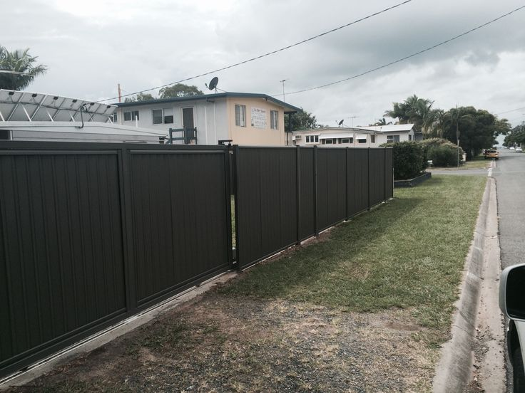 GREYRIDGE  COLOURBOND FENCING