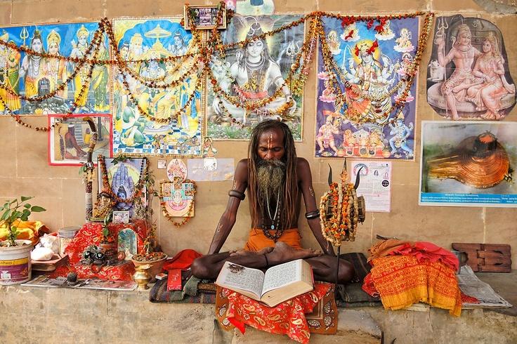 Asceet. Varanasi, India. Door communitylid globe2 - NG ReisCommunity © Upload zelf je mooiste foto's op www.nationalgeographic.nl/reizen/fotos/toevoegen