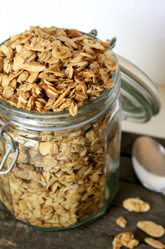 Vanilla Almond Granola Cereal | Natural Chow | http://naturalchow.com