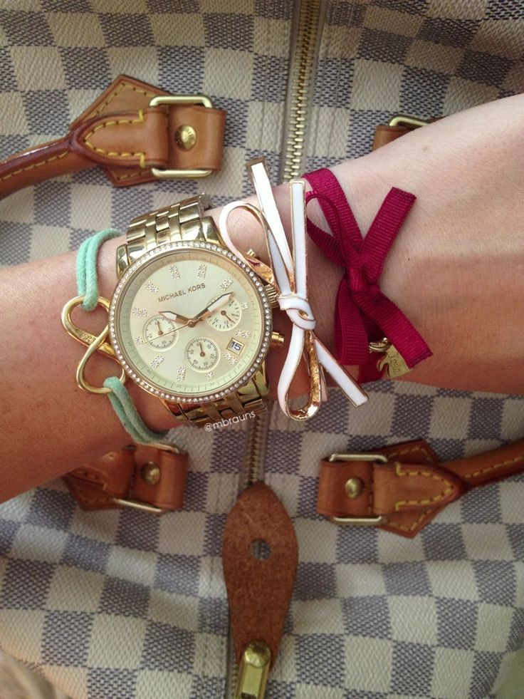 Lilou and @GroopDealz Bows on Bows and my speedy35