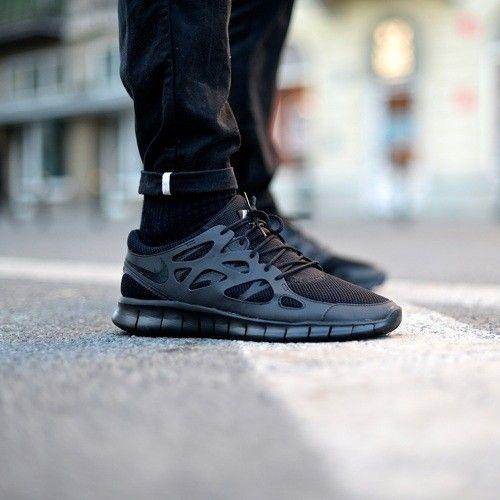 Nike Free Run 2 Sur Les Pieds Noirs