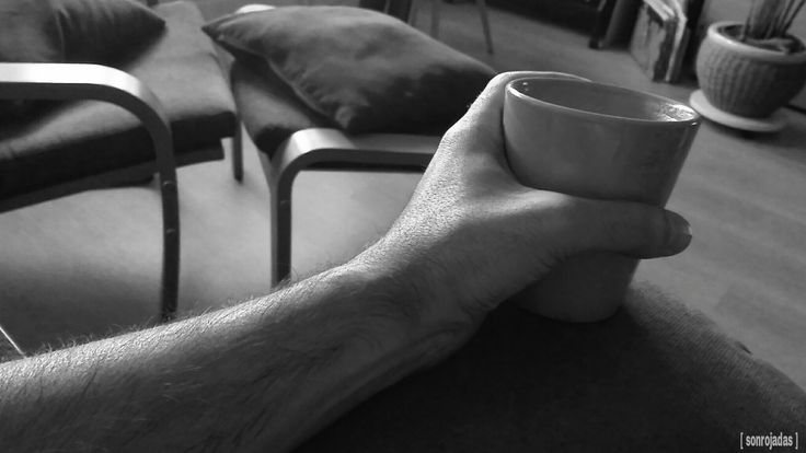 Matinal. [S.1507/17] #sonrojadas #sonrojadas_foto #coffee #cafe #matinal #morning #byn #blackandwhite