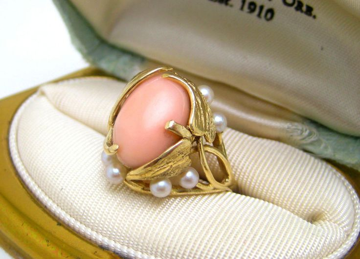VINTAGE  PINK ANGEL SKIN CORAL & PEARLS 14K Y GOLD RING