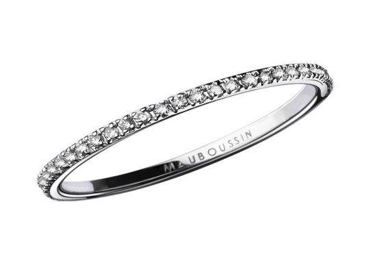 Alliance Mauboussin http://www.vogue.fr/mariage/bijoux/diaporama/nouvelles-alliances-mariage-diamants/15866/image/874516#!nouvelles-alliances-mariage-mauboussin