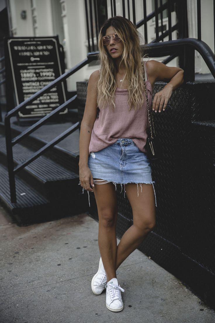 Trendy Taste – PINK AFFAIRE. PInk top+cropped denim skirt+white sneakers+black shoulder bag+pink sunglasses. Summer Outfit 2016