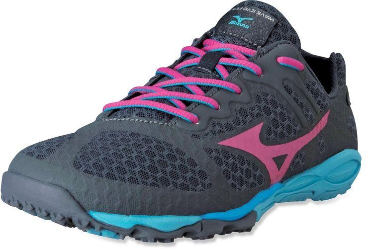 The women's Mizuno Wave EVO Ferus Trail-Running shoes are fierce minimalist running shoes.