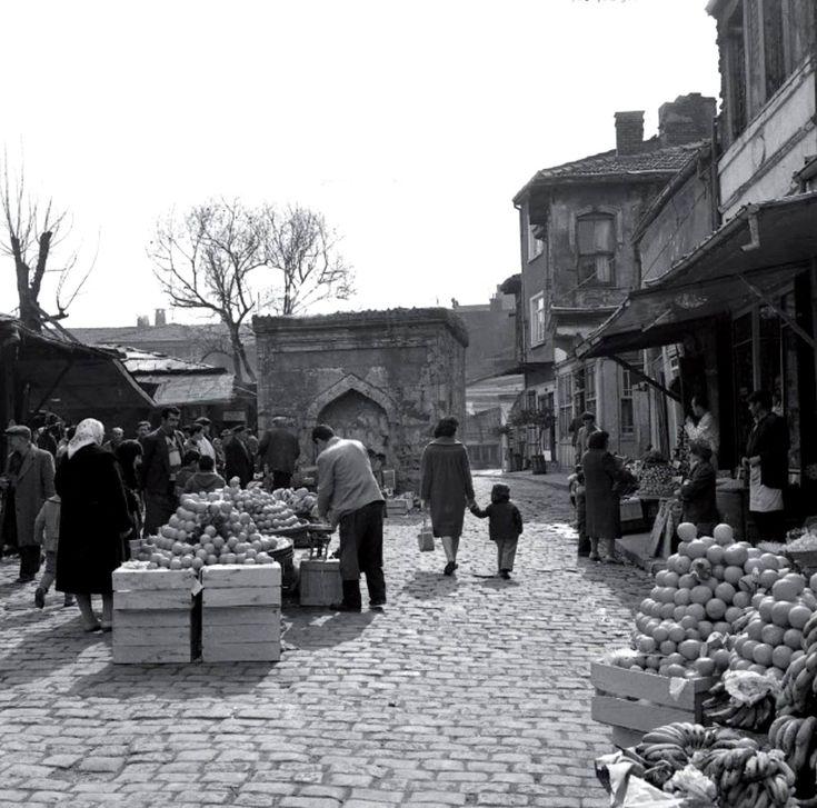 Karagümrük Meydanı / 1956