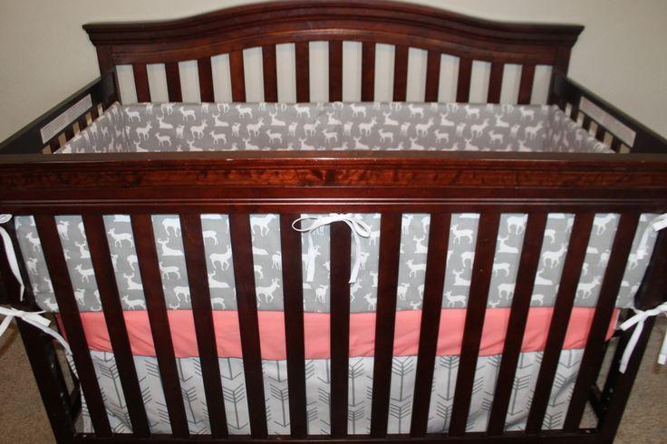 ** Les illustrations de conception originale ChristyS ** Ensemble comprend : Option 1 : 1. crèche flèches grises jupe-blanc 2. lit feuille-corail coton cerf 3.32x36 couverture-gris et corail minky  Option 2 : 1. crèche flèches grises jupe-blanc 2. lit feuille-corail coton cerf 3.32x36 couverture-gris et corail minky 4.Bumper-gray cerf avec des attache-corail  Option 3 : 1. crèche flèches grises jupe-blanc 2. lit feuille-corail coton cerf 3.32x36 couverture-gris et corail minky 4. long rail…