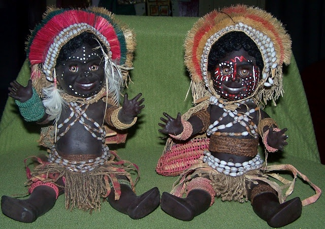 Metti dolls, 1970's.    These Papua New Guinea costume dolls are the dolls of Metti that I love to collect.     They were sent from Australia to Port Moresby and then distributed to the PNG highlands to different villages to be dressed.     The dolls were sold to tourists.