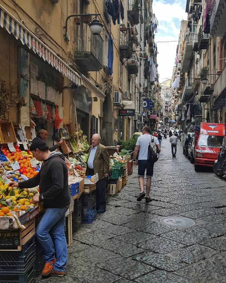 Street Market in Naples Italy  #naples #napoli #italy #travel #afternoon #street #market #streetphotography #galaxys6