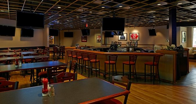Hilton North Raleigh/Midtown Hotel, NC - Skybox Grill