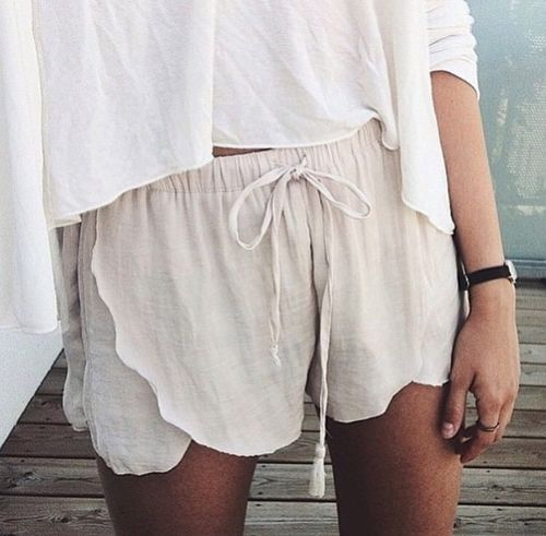 i have these shorts and they are one of my very fav pairs! so flattering on everyone