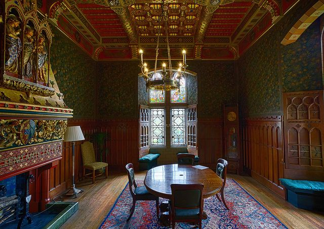 Wales - Cardiff - Cardiff Castle - Apartments