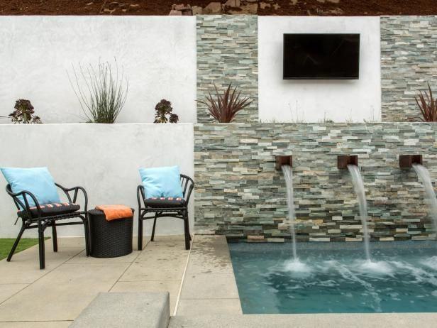This summer, Tarek and Christina El Moussa are focusing their Flip or Flop undertakings on creating amazing outdoor spaces. Get a sneak peek of one of their projects, in Torrance, California, before the episode premieres Aug. 25 at 9|8c.