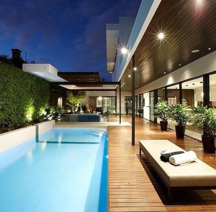 20 piscinas luxuosas para voc se inspirar albercas for Patios modernos con piscina