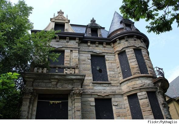 Famous haunted mansions in america lubbock real estate for Famous haunted houses for sale