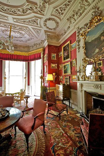 2012 Family Home Decorating Ideas: Historical Family Homes