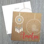 Geboortekaartje met dromenvanger en boze ogen.  Birth announcement card with dreamcatcher and evil eye beads.