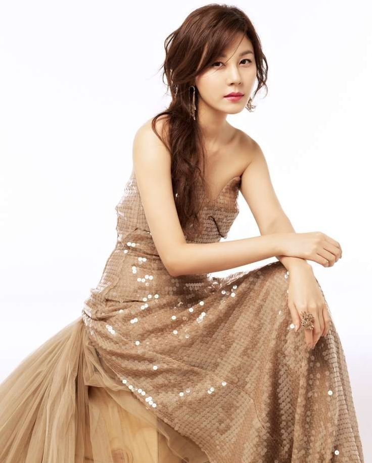 kim ha neul in dress