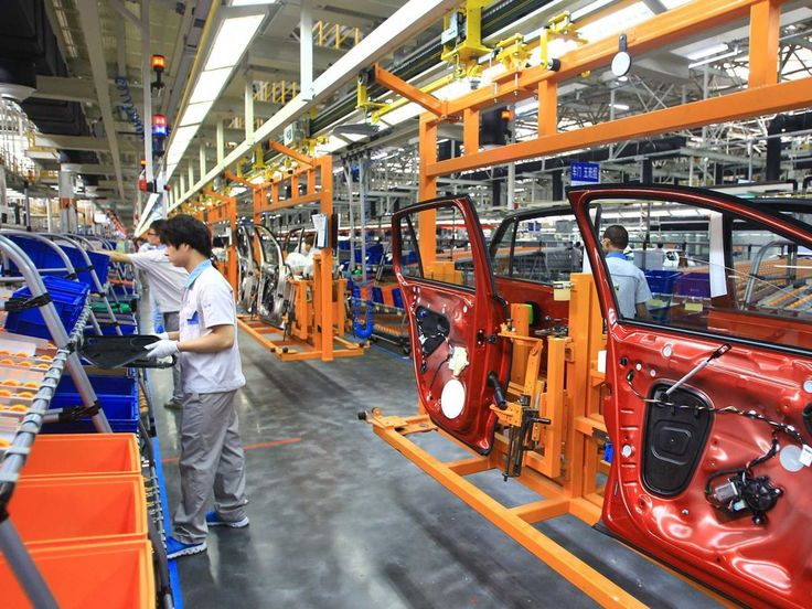 A robot killed a factory worker in Germany   VW Volkswagen factory