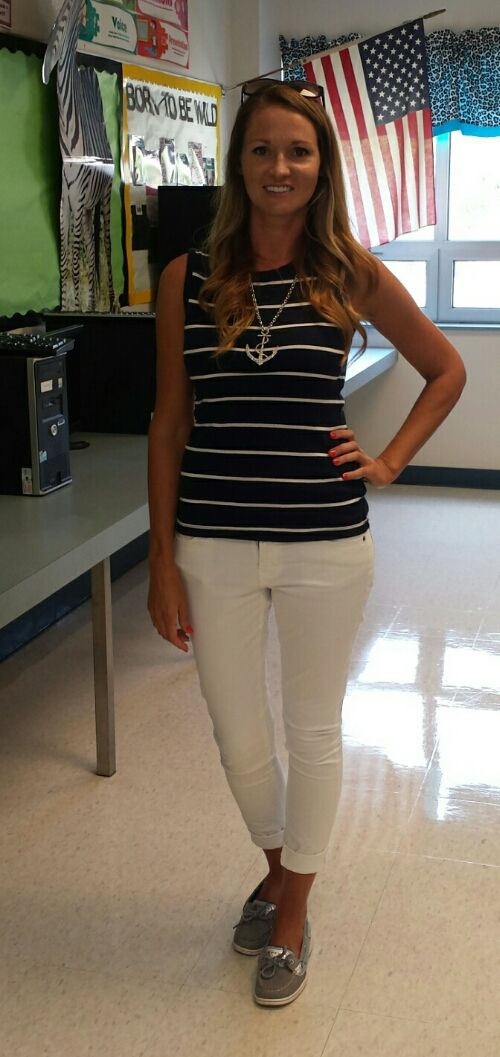 Great outfit for the start of school when it's still hot out.  Love the necklace