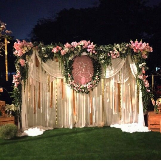 Elegant Wedding Backdrops: Elegant Backdrop