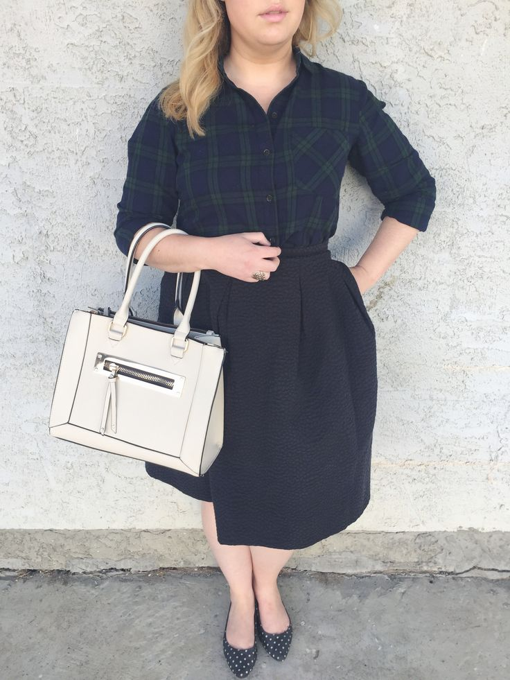 Plaid shirt, circle skirt. A Month in Outfits | November 2016
