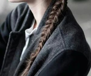simple side braid for those mornings when your hair won't cooperate   Skirt the Ceiling   skirttheceiling.com