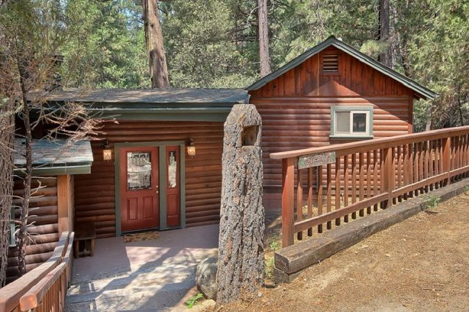 (1L) The Tree House - pet friendly cabins within Yosemite National Park