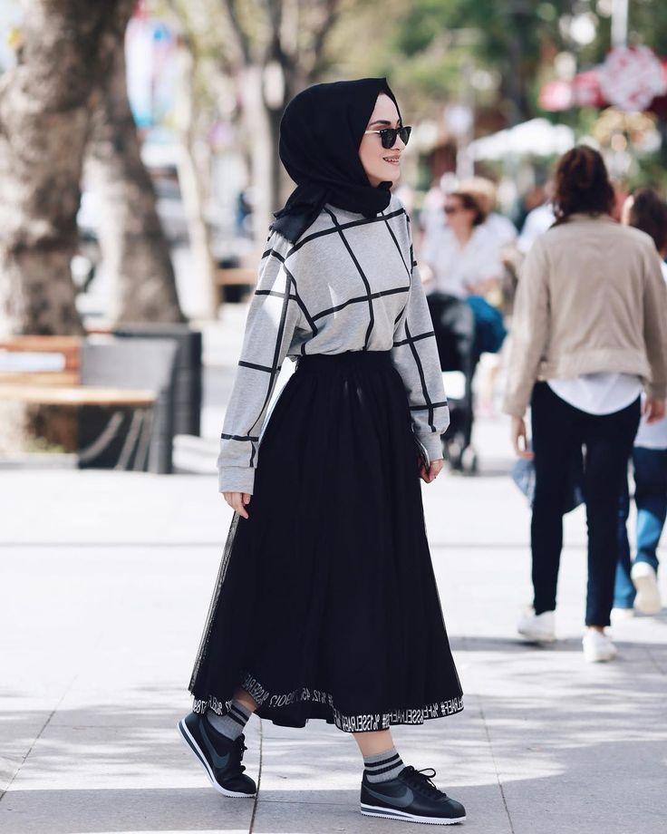 """15.4b Beğenme, 64 Yorum - Instagram'da Rabia Sena Sever (@senaseveer): """"Onca çekilen fotoğraf arasından tutup bunu paylaştım ya. Ben daha bişey demiyorum Doğal…"""""""
