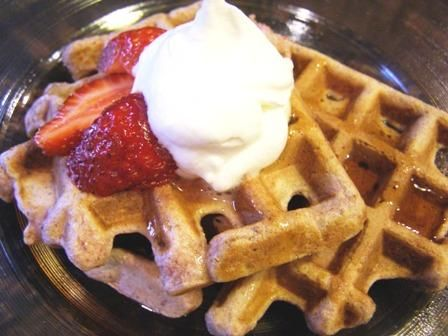 Good for You Strawberry Waffles from Food.com:   These are so good, no one will ever know how healthy they are. I don't tell anyone! I had extra strawberries and wanted to make waffles with them, but couldn't find a recipe version that I liked, so I tweaked a few and came up with this one. This makes 3 double waffles, which is 3 servings in my house.: Healthy Food Choices, Healthy Waffles, Waffles Recipe, Recipe Version, Waffle Recipes, Extra Strawberries, Breakfast Food Com, Breakfast Recipes