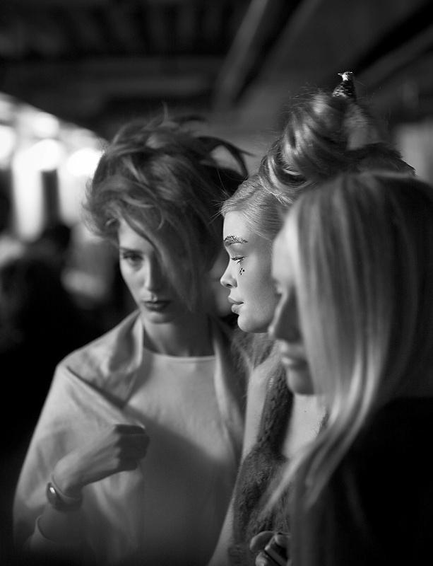 Modeller Backstage på Fashion for Life.