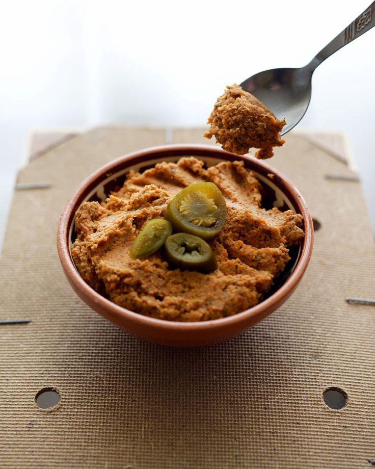 Vegetanie - wegetariańskie przepisy, tanie i szybkie dania domowe, warzywa w kuchni: Pasta z cieciorki z Jalapeno