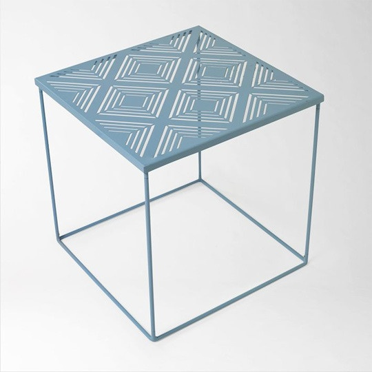 I'd love some outdoor space to put this side table!