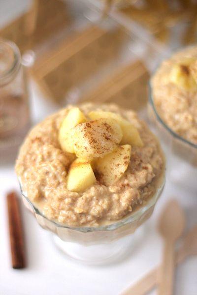 Easy, Healthy Apple Pie Overnight Dessert Oatmeal!