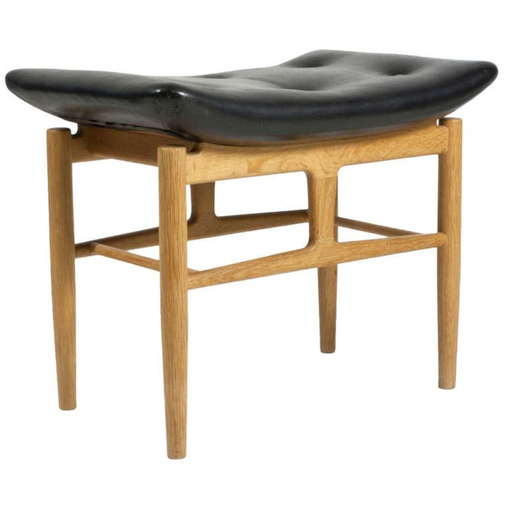 Finn Juhl Stool for Bing & Grøndahl by Niels Vodder, ca.1946. Patinated Oak and Leather.
