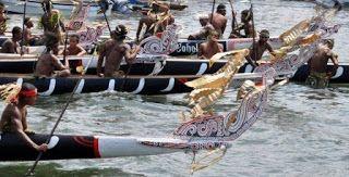 Lopo war canoes from Ealeba & Tawala-mainland Milne Bay. http://www.blog.pagahill.com/#!Hello-Alotau/c2o6/563c50580cf23796cd8f8796