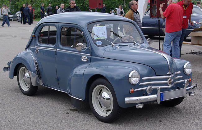 Siguiendo El Modelo De Compacto Economico Trazado Por El Escarabajo Los Franceses Armaron El Suyo Renault 4cv Su Historia En Htt Renault 4 Renault Foto Cars