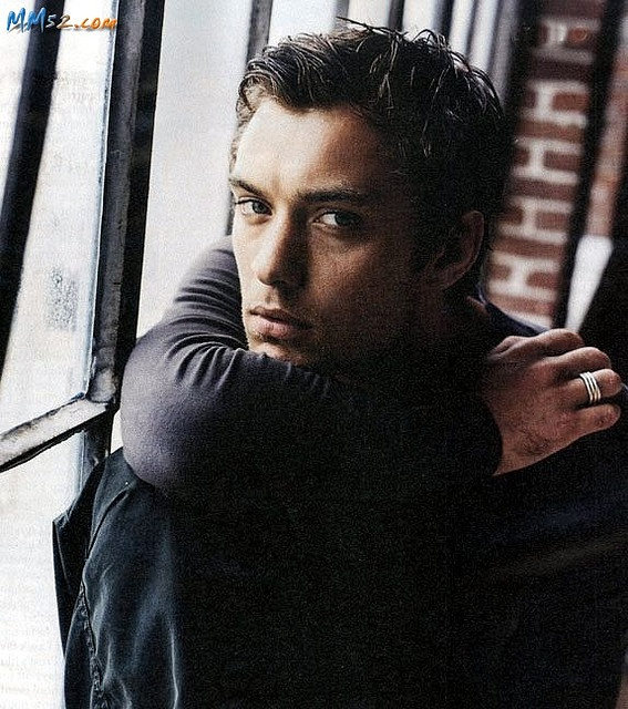 Jude Law - don't approve of his personal life, but boy do I approve of his movies :)  Hello, Watson!  The Holiday?  Yes, please.  Thank you very much.