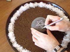Compartir Publicar en Twitter Pin Correo electrónico En la antigüedad la sal se utilizaba como un preciado producto de intercambio y se lo asociaba ...