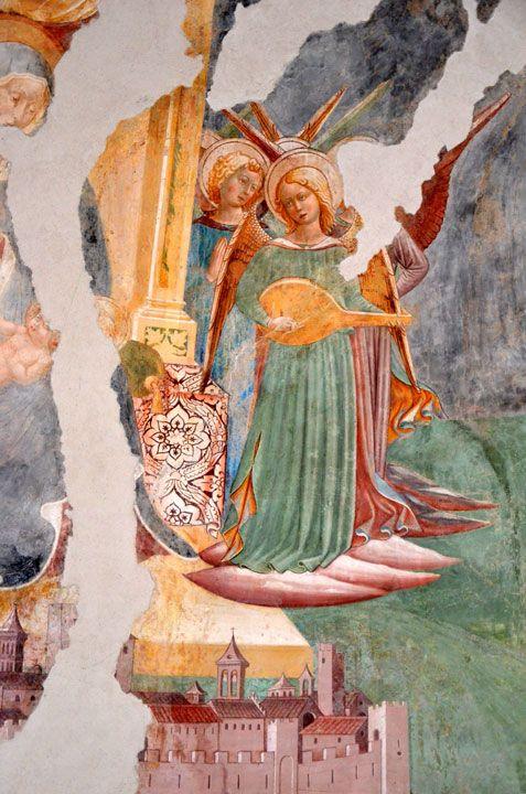 Pierantonio Mezzastris - Madonna con il Bambino tra angeli musicanti e Cristo che benedice, dettaglio - affresco - 1467 - Chiesa Madonna della Fiamenga, Foligno