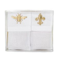 """Royal Extract Petite Fragrance Sacs Scent a closet, linen cabinet or lingerie drawer with the rich, honey fragrance of Royal Extract. Adorned with a bee and a fleur de lis for a royal touch. Remove the insert to hold a special piece of jewelry while traveling. Unique to our sachets is the fragrance carrier inside. Corn gits are a natural, renewable resource grown on midwestern American farms; virtually dust free, non toxic and 100% environmental friendly. Boxed- 2oz, 5 1/4"""" x 3 3/8"""". $28.00"""