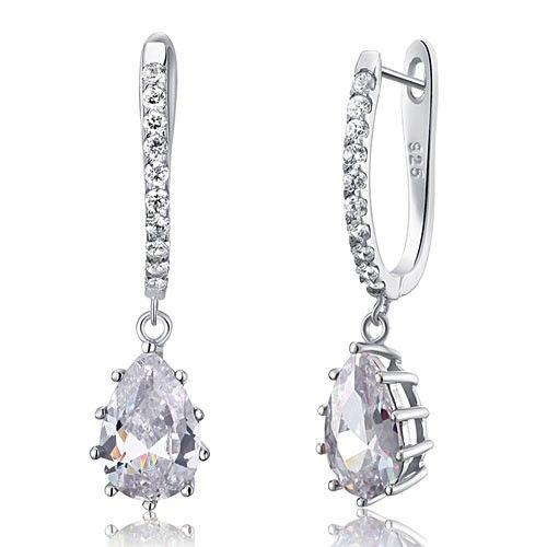 Cercei Aurora 3 carate Diamonds Argint 925 http://www.borealy.ro/bijuterii/bijuterii-mireasa/cercei-aurora-diamonds-3-carate.html
