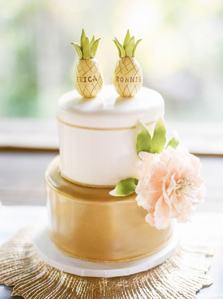 pineapple cake toppers - photo by Lisa Blume Photography http://ruffledblog.com/destination-wedding-in-a-puerto-rican-rainforest